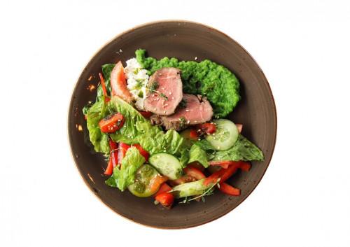 Итальянский салат с ростбифом